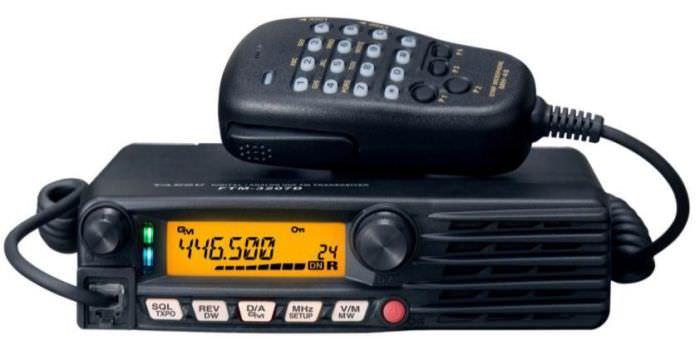 Автомобильная радиостанция Yaesu FTM-3207DR
